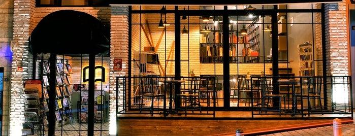 Tasarım Bookshop Cafe is one of Freelance Çalışmalık.