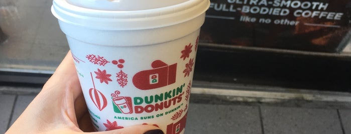 Dunkin' is one of Donさんのお気に入りスポット.