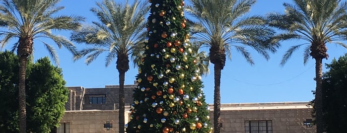 Frank Lloyd Wright Lawn is one of Pheonix, AZ.