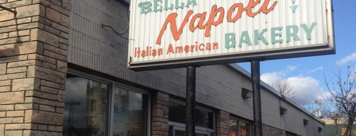 Bella Napoli is one of Locais salvos de Jessie.