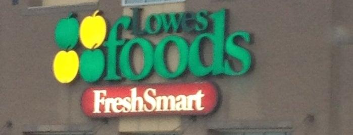 Lowes Foods is one of Kelly 님이 좋아한 장소.