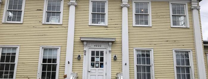 Longfellow House is one of Tempat yang Disukai Richard.