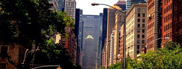Park Avenue is one of Sights in Manhattan.