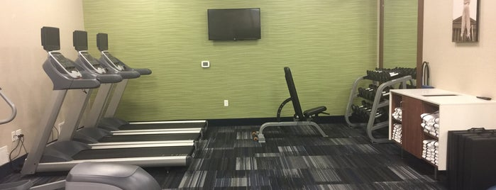 Holiday Inn Express Fitness Center is one of Tempat yang Disukai Luis Felipe.
