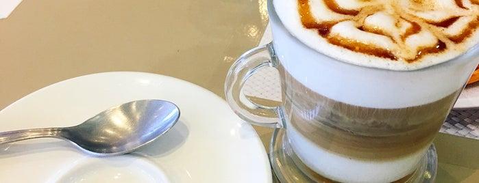 Fran's Café is one of Tempat yang Disukai Rafael.