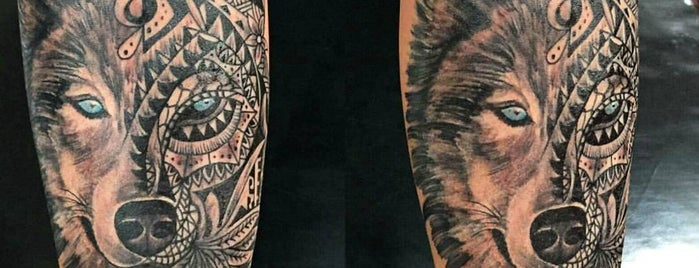 Dark Art Tattoo is one of Posti che sono piaciuti a Alexandre.