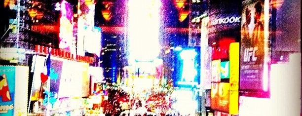 Таймс-сквер is one of New York.