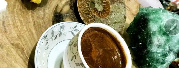 Dünya Doğal Taş Bijuteri is one of Posti che sono piaciuti a Hatice.