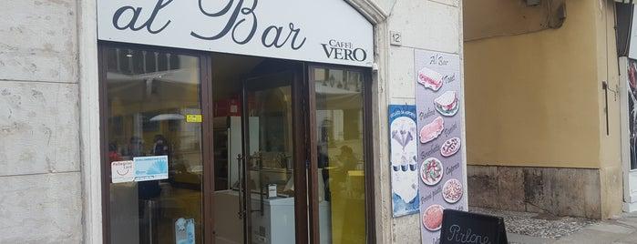 Bar Loggia is one of Lugares favoritos de Sandybelle.