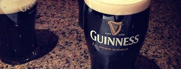 JJ Mahoney's Irish Pub is one of Lugares favoritos de Andrew C.