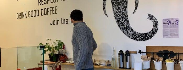 Black Elephant Coffee is one of Lugares favoritos de John.
