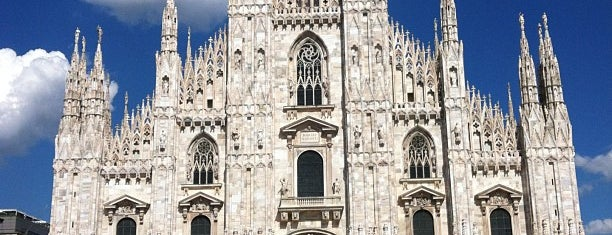 Plaza del Duomo is one of Milano, Repubblica Italiana.