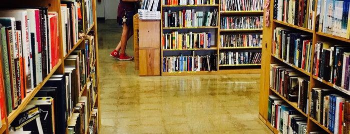 Half Price Books is one of Orte, die Breanna gefallen.
