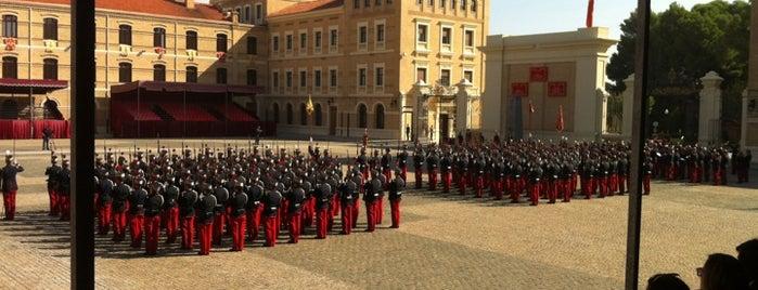 Academia General Militar is one of Mis sitios favoritos.
