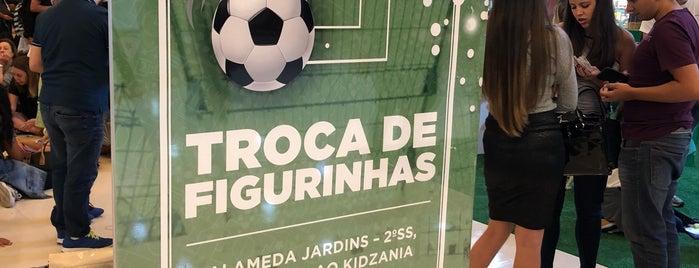 Ponto de Troca de Figurinhas da Copa is one of Lazer.
