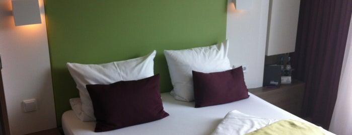 Hotel Demas City is one of Lieux qui ont plu à Pavel.