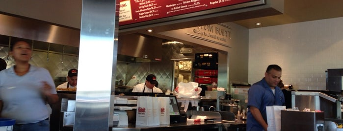 The Habit Burger Grill is one of สถานที่ที่ Andrew ถูกใจ.
