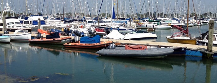 Lymington Quay is one of Lugares favoritos de Mike.