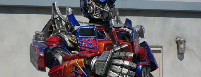 Transformers: The Ride - 3D is one of Orlando Informerさんのお気に入りスポット.
