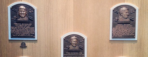 National Baseball Hall of Fame and Museum is one of Tempat yang Disukai Barry.