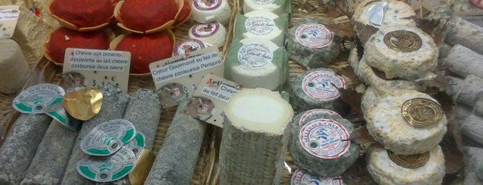 Marché couvert de Clichy is one of Paris.