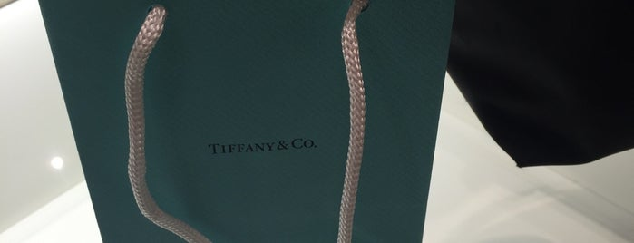 Tiffany & Co. is one of Cristina 님이 좋아한 장소.