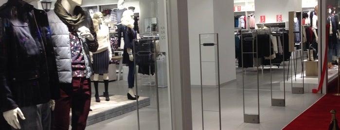 H&M is one of Posti che sono piaciuti a Sevdenur.