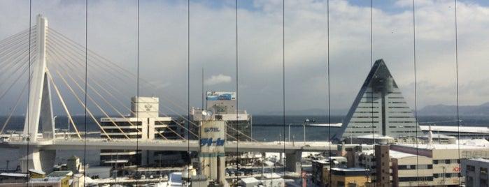 Hotel Sunroute Aomori is one of สถานที่ที่ 西院 ถูกใจ.
