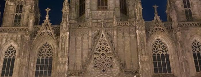 Catedral De Barcelona is one of Tempat yang Disimpan Queen.