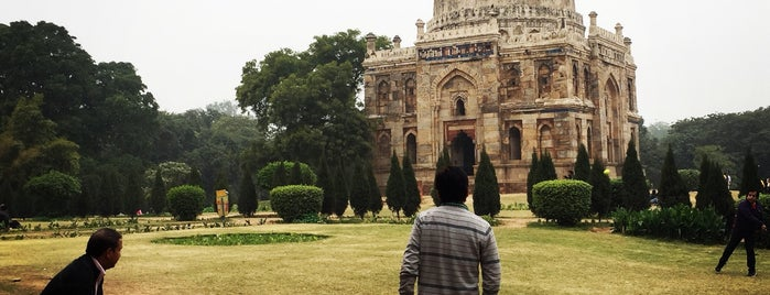 Lodhi Gardens (लोधी बाग़) is one of Swenさんのお気に入りスポット.