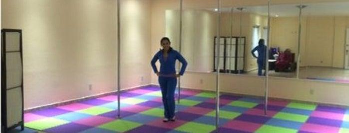 Pole Fitness Gina Studio is one of Thelma'nın Beğendiği Mekanlar.