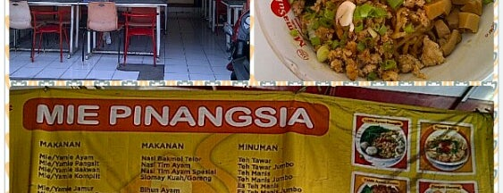 Mie Pinangsia Petra is one of Lugares favoritos de Amanda.