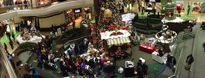 Lakeforest Mall is one of DC.