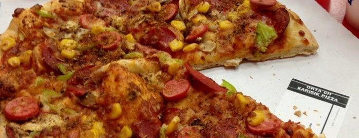 Domino's Pizza is one of Bilal'ın Beğendiği Mekanlar.