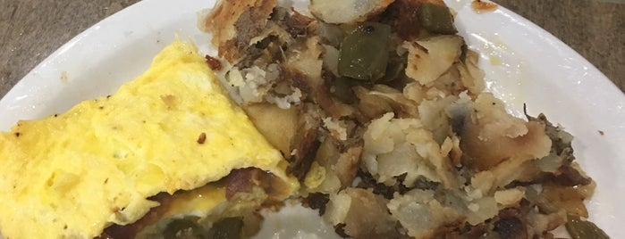Gray Dog Diner is one of Tempat yang Disukai hellpellet.