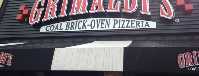 Grimaldi's Pizzeria is one of Melissaさんのお気に入りスポット.