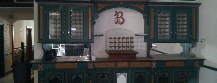 The Beaumont Inn is one of Locais salvos de Robert.