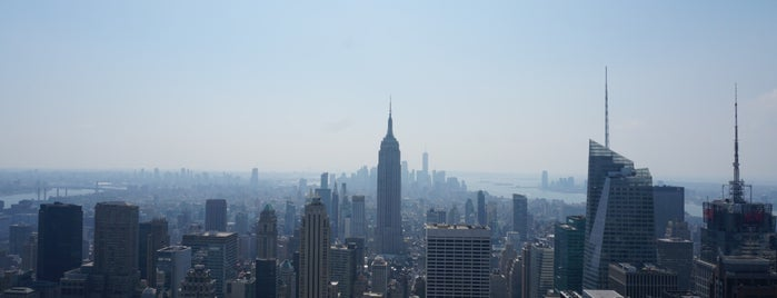 Top of the Rock Observation Deck is one of Lugares favoritos de J.