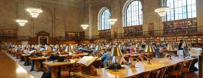 New York Public Library is one of Orte, die J gefallen.