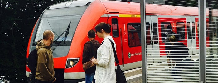 S Düsseldorf-Eller Süd is one of Lieux qui ont plu à Svenson.
