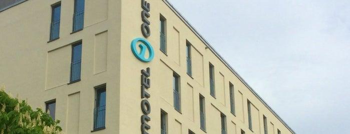 Motel One Köln-Mediapark is one of Posti che sono piaciuti a Christian.