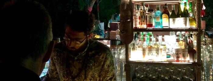 Voodoo Bar is one of Tempat yang Disimpan Tim.