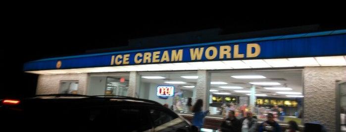 Ice Cream World is one of สถานที่ที่ Andrea ถูกใจ.