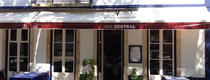 Café Central is one of Locais salvos de Jo.