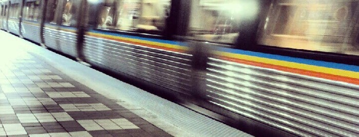 MARTA - Decatur Station is one of Posti che sono piaciuti a Chester Thrash.