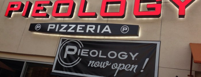 Pieology Pizzeria Puente Hills East is one of สถานที่ที่ Sarina ถูกใจ.