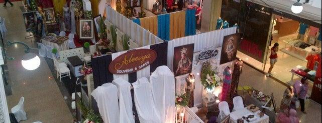 Semarang Traditional Wedding Expo 2012 is one of ww.