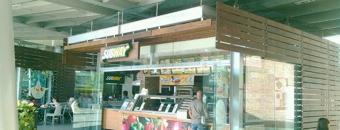 Subway is one of Lugares favoritos de Luis.