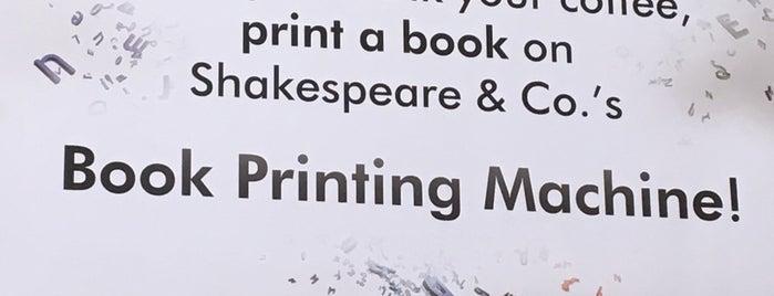 Shakespeare & Co. is one of Orte, die N gefallen.