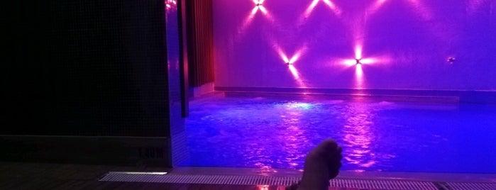 Lova Health Club Fitness & Spa is one of Orte, die Göksel gefallen.